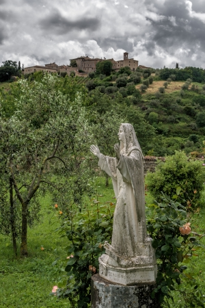 sant'antimo: Statue in the grounds of Sant Antimo Abbey Editorial
