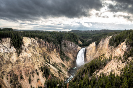 Baje las ca�das Yellowstone photo
