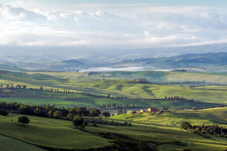 val d orcia: Zonsopgang over Val d'Orcia