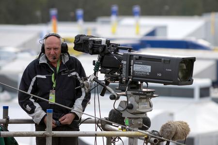 btcc: Cameraman si prepara per l'inizio della gara BTCC a Brands Hatch