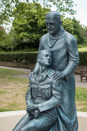grinstead: McIndoe Memorial in East Grinstead