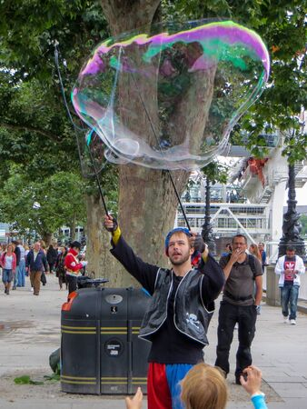 southbank: Bubblemaker on the Southbank