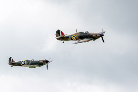 vickers: Hawker Hurricane I R4118 and Spitfire Mk IXT PV202 QV