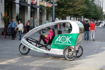 rikscha: Fahrradrikscha in Berlin