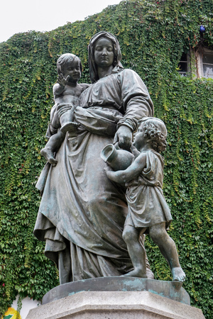 adolf: Mothers Love statue at the Donndorf fountain in Weimar Stock Photo