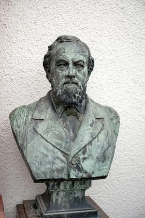 dr: Bust of Prof Dr Schenk in Friedrichsdorf