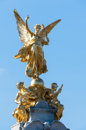 thomas stone: Victoria Memorial outside Buckingham Palace Editorial
