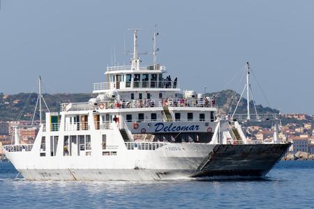 enzo: Enzo D car ferry approaching Palau Sardinia