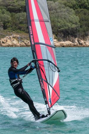 windsurf: Windsurf en Porto Pollo en Cerde�a