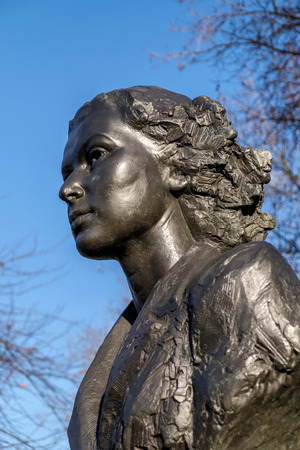 special operations: Statue of Violette Szabo in London Stock Photo