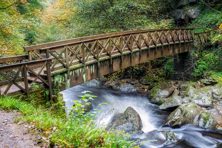 lyn: Bridge over the East Lyn River near Lynmouth in Devon
