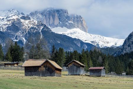 sud tirol: Barns in Valley di Fassa