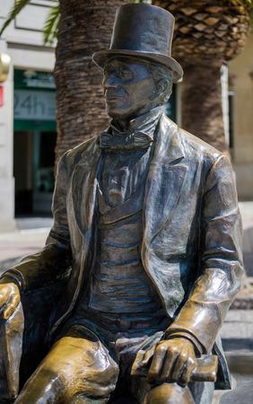 hans: Statue of Danish Writer Hans Christian Andersen in Malaga