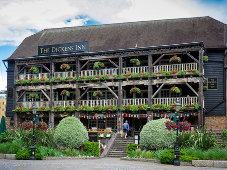 dickens: The Dickens Inn at St Katherines Dock