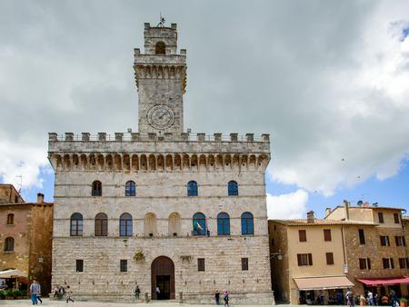 montepulciano: Palazzo del Comune in Montepulciano Editorial
