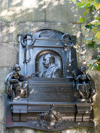 gilbert: Memorial to W S Gilbert on the Embankment in London
