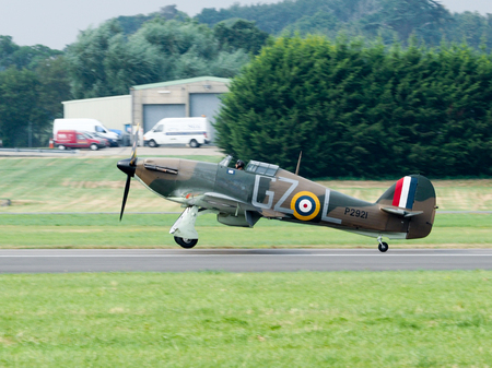 hawker: Hawker Hurricane GZL P2921 Landing at Dunsfold Airfield