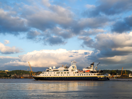 cruising: National Geographic Orion Cruising along the River Garonne