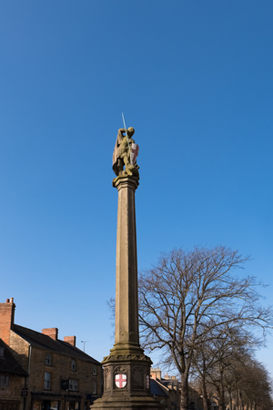 Statue of St. George in Moreton-in-Marsh Stock Photo