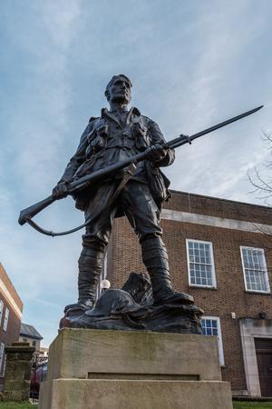 TUNBRIDGE WELLS, KENT/UK - JANUARY 4 : Tunbridge Wells War Memorial in Royal Tunbridge Wells Kent on January 4, 2019 Banque d'images - 114787808