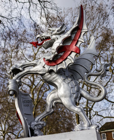 LONDON, UK - MARCH 11 : Boundary Griffin on a plinth at Thames Embankment  in London on March 11, 2019 Redactioneel