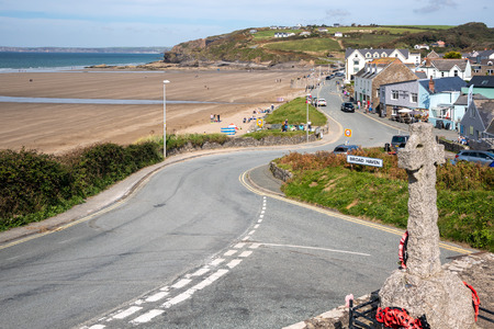 BROAD HAVEN, PEMBROKESHIRE/UK - SEPTEMBER 14 : View of the War Memorial at Broad Haven Pembrokeshire on September14, 2019. Unidentified people Éditoriale