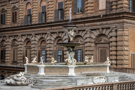 FLORENCE, TUSCANY/ITALY - OCTOBER 20 : Palazzo Pitti and the fountain in Boboli Gardens Florence on October 20, 2019 Editorial