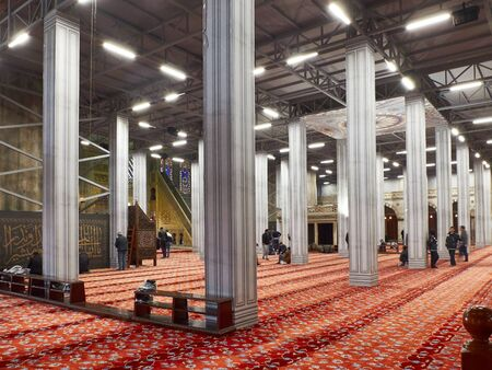 Restoration framework in the prayer area of Sultanahmet Mosque. Istanbul, Turkey - December 2019. Publikacyjne