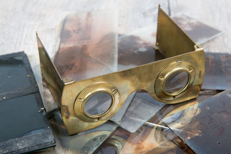 stereoscope: stereoscope in brass with glass plates