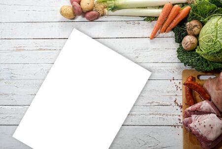 carnes y verduras: verduras y carnes para preparar un estofado con col