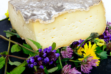 tome: the Tome de Savoie with several flowers