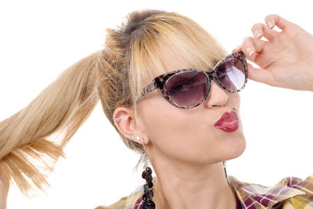 chicas guapas: a pretty young blond woman with sunglasses