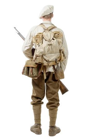 un français d'infanterie de montagne soldat pendant la Seconde Guerre mondiale, sur fond blanc Banque d'images