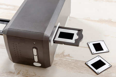 reproducing: a scanner for film and slides