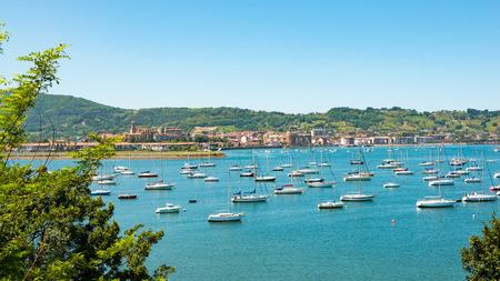 a view of the bay of Hendaye, Pyrenees 版權商用圖片 - 80822467