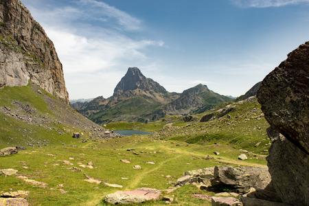 フランス・ピレネー山脈の山の眺め 写真素材