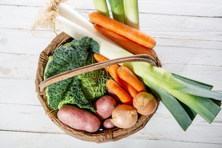 légumes de saison pour la préparation du pot au feu français