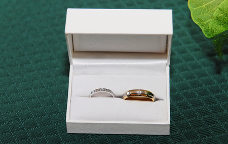 a wedding concept, rings in the box 스톡 콘텐츠 - 121675535