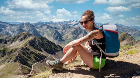 young woman and Pic du Midi de Bigorre 版權商用圖片