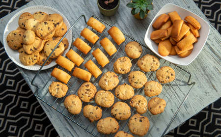 the delicious cookies and french financiers