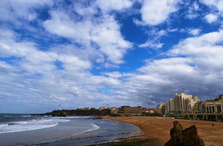 the Biarritz city and its famous sand beaches Foto de archivo