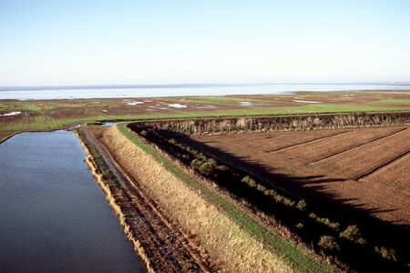 beschermende dijk in de baai van Aiguillon