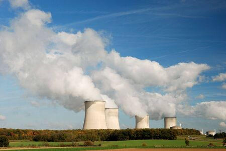 heat radiation: Cooling towers of an atomic power station