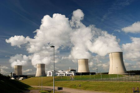 heat radiation: Nuclear power station Stock Photo