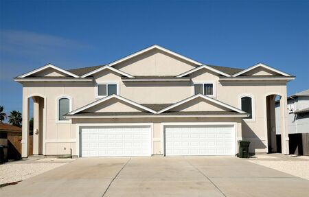 duplex: Duplex house in the United States