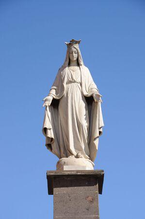 maria: Statue von Santa Maria in La Laguna, Teneriffa-Spanien