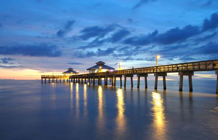 Pirs na zachód słońca w Neapolu, Floryda Zdjęcie Seryjne