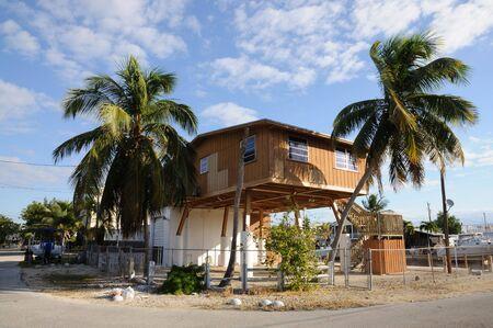 zancos: Casa sobre pilotes, Florida Cayo Largo  Foto de archivo