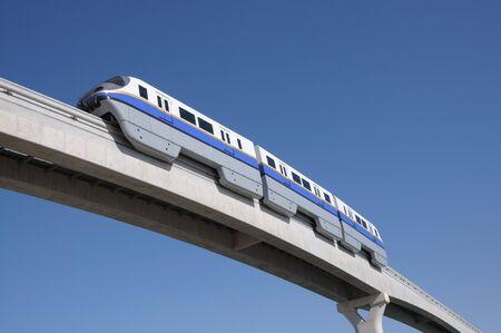 Verenigde Arabische Emiraten: Moderne monorail in Dubai, Verenigde Arabische Emiraten  Stockfoto