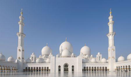 dhabi: Sheikh Zayed Mosque in Abu Dhabi, United Arab Emirates Stock Photo